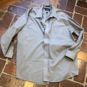 Gray Shirt 6️⃣